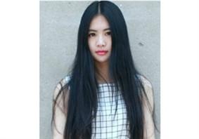 脸大的女生适合什么发型 脸大适合长发的发型