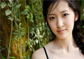 铃木爱理泳装出镜 最新夏日写真曝光