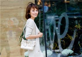 袁泉最新时尚街拍曝光 实力腿长和刘涛比美
